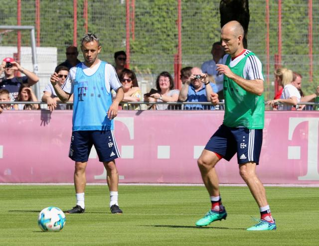 Rafinha and Arjen Robben.