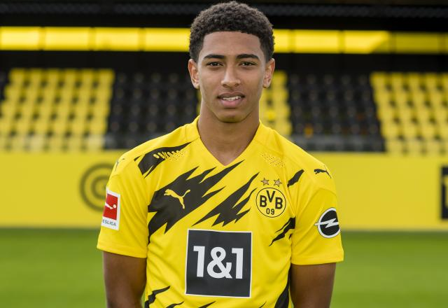 Jude Bellingham will be the perfect long-term solution in Chelsea's midfield once Kante/Jorginho near the end of their contract. (Photo: Borussia Dortmund)