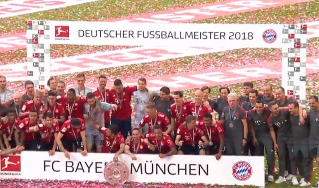 Bayern München after winning the championship.