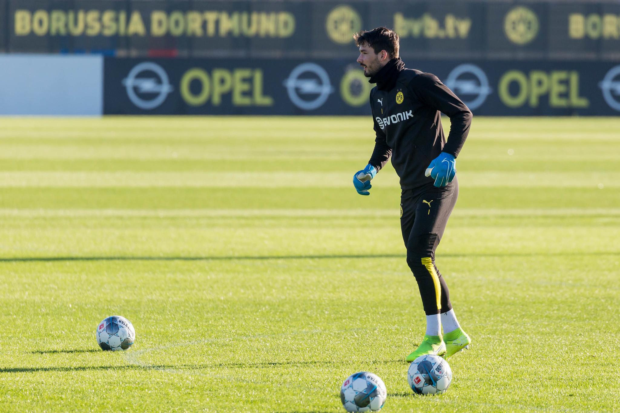 Roman Bürki linked with Marseille switch