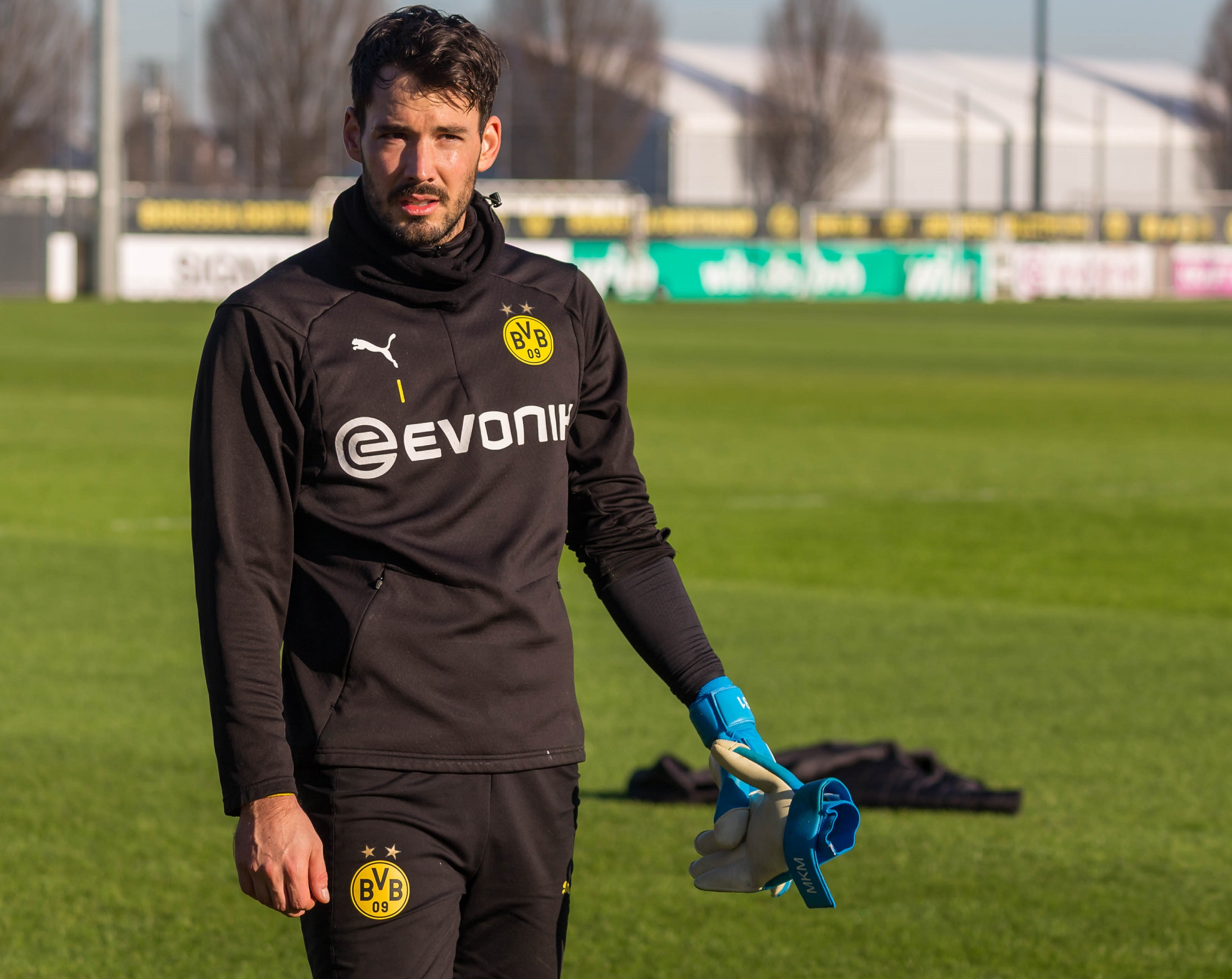 Report: Dortmund draw up list of candidates to replace Roman Bürki